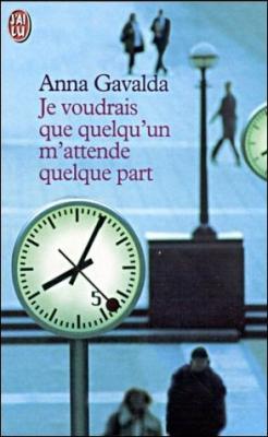 http://entournantlespages.blogspot.fr/2015/12/je-voudrais-que-quelquun-mattende.html