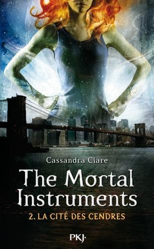 Couverture La Cité des Ténèbres / The Mortal Instruments, tome 2 : L'Épée mortelle