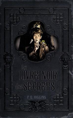 Couverture Le Livre Noir des Secrets, tome 1