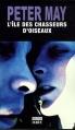 Couverture L'île des chasseurs d'oiseaux Editions Du rouergue (Noir) 2009