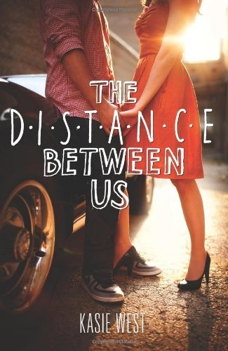Couverture The Distance Between Us