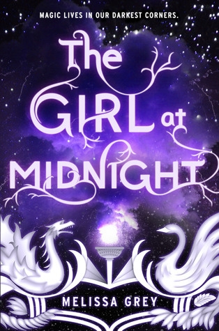 Couverture The girl at midnight, tome 1 : De plumes et de feu