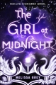 Couverture The girl at midnight, tome 1 : De plumes et de feu Editions Delacorte Press 2015