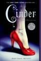 Couverture Chroniques lunaires, tome 1 : Cinder Editions Square Fish 2013