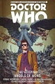 Couverture Doctor Who : Le dixième docteur, tome 2 : Les anges pleureurs de Mons Editions Titan Books 2015