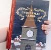 Couverture Un chant de Noël / Un conte de Noël / Cantique de Noël / Le drôle de Noël de Scrooge / Le Noël de monsieur Scrooge Editions Chronicle Books 2015