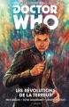 Couverture Doctor Who : Le dixième docteur, tome 1 : Les révolutions de la terreur Editions Akileos 2016