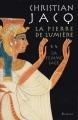 Couverture La Pierre de lumière, tome 2 : La Femme sage Editions France Loisirs 2001