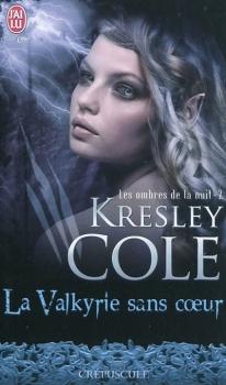 Couverture Les Ombres de la nuit, tome 02 : La Valkyrie sans coeur