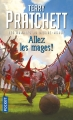Couverture Les Annales du Disque-Monde, tome 33 : Allez les mages ! Editions Pocket 2017