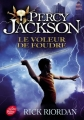 Couverture Percy Jackson, tome 1 : Le voleur de foudre Editions Le Livre de Poche (Jeunesse) 2010
