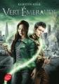 Couverture Trilogie des gemmes, tome 3 : Vert émeraude Editions Le Livre de Poche (Jeunesse) 2017