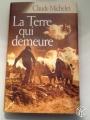 Couverture La terre qui demeure Editions France Loisirs 2004