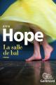 Couverture La salle de bal Editions Gallimard  (Du monde entier) 2017