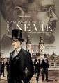 Couverture Winston Smith : 1903/1984 : Une vie : La biographie retrouvée, tome 2 : 1917-1921 - King's scholar Editions Futuropolis 2016