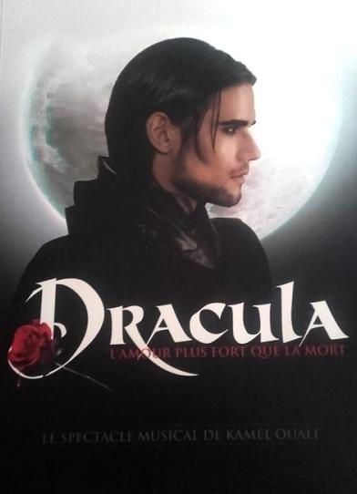 Couverture Dracula : L'amour plus fort que la mort