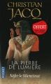 Couverture La pierre de lumière, tome 1 : Néfer le silencieux Editions Pocket 2011