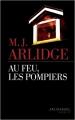 Couverture Au feu, les pompiers Editions Les Escales (Noires) 2018