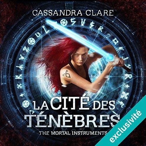 Couverture La Cité des ténèbres / The Mortal Instruments, tome 1 : La Coupe mortelle / La Cité des ténèbres