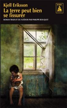 Couverture Ann Lindell, tome 1 : La terre peut bien se fissurer