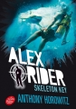 Couverture Alex Rider, tome 03 : Skeleton Key : L'île de tous les dangers / Skeleton Key Editions Le Livre de Poche (Jeunesse) 2017