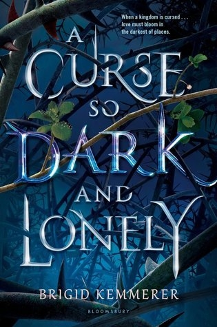 Couverture A Curse so Dark and Lonely, book 1