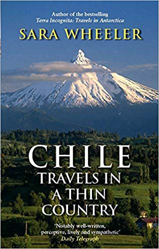 Couverture Travels in a Thin Country: A Journey Through Chile