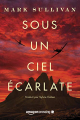 Couverture Sous un ciel écarlate Editions Amazon Crossing 2019