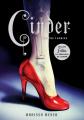 Couverture Chroniques lunaires, tome 1 : Cinder Editions V&R 2013