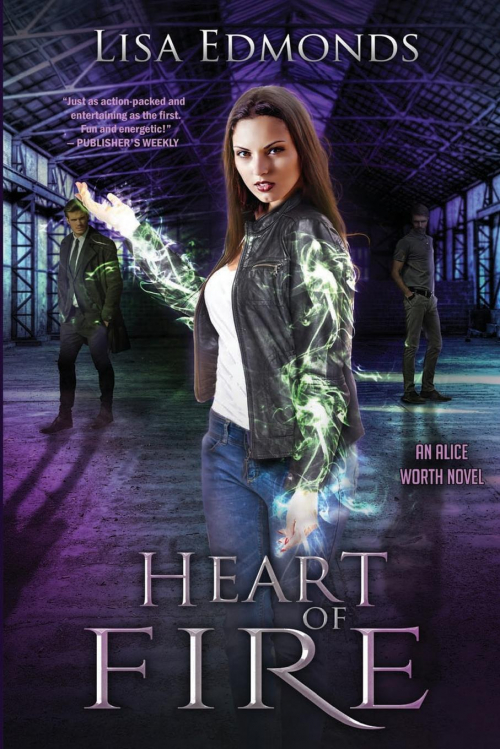 Couverture Alice Worth, book 2: Heart of Fire