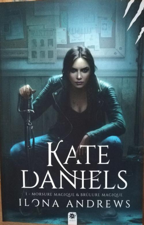 Couverture Kate Daniels, intégrale, tome 1 & 2 : Morsure Magique & Brûlure magique