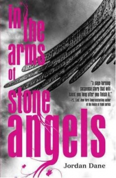 Couverture In the arms of stone angels