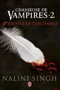 Couverture Chasseuse de vampires, tome 02 : Le souffle de l'archange