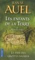 Couverture Les Enfants de la Terre (pocket), tome 6, partie 1 : Le Pays des grottes sacrées Editions Pocket 2012