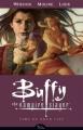 Couverture Buffy contre les Vampires Saison 08, tome 04 : Autre temps, autre tueuse Editions Dark Horse 2009