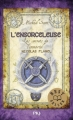 Couverture Les secrets de l'immortel Nicolas Flamel, tome 3 : L'ensorceleuse Editions Pocket (Jeunesse - Best seller) 2013