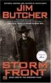 Couverture Les Dossiers Dresden, tome 01 : Dans l'oeil du cyclone / Avis de tempête Editions Roc 2000